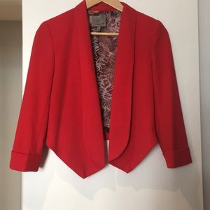 Aryn K. Woman's red cropped blazer